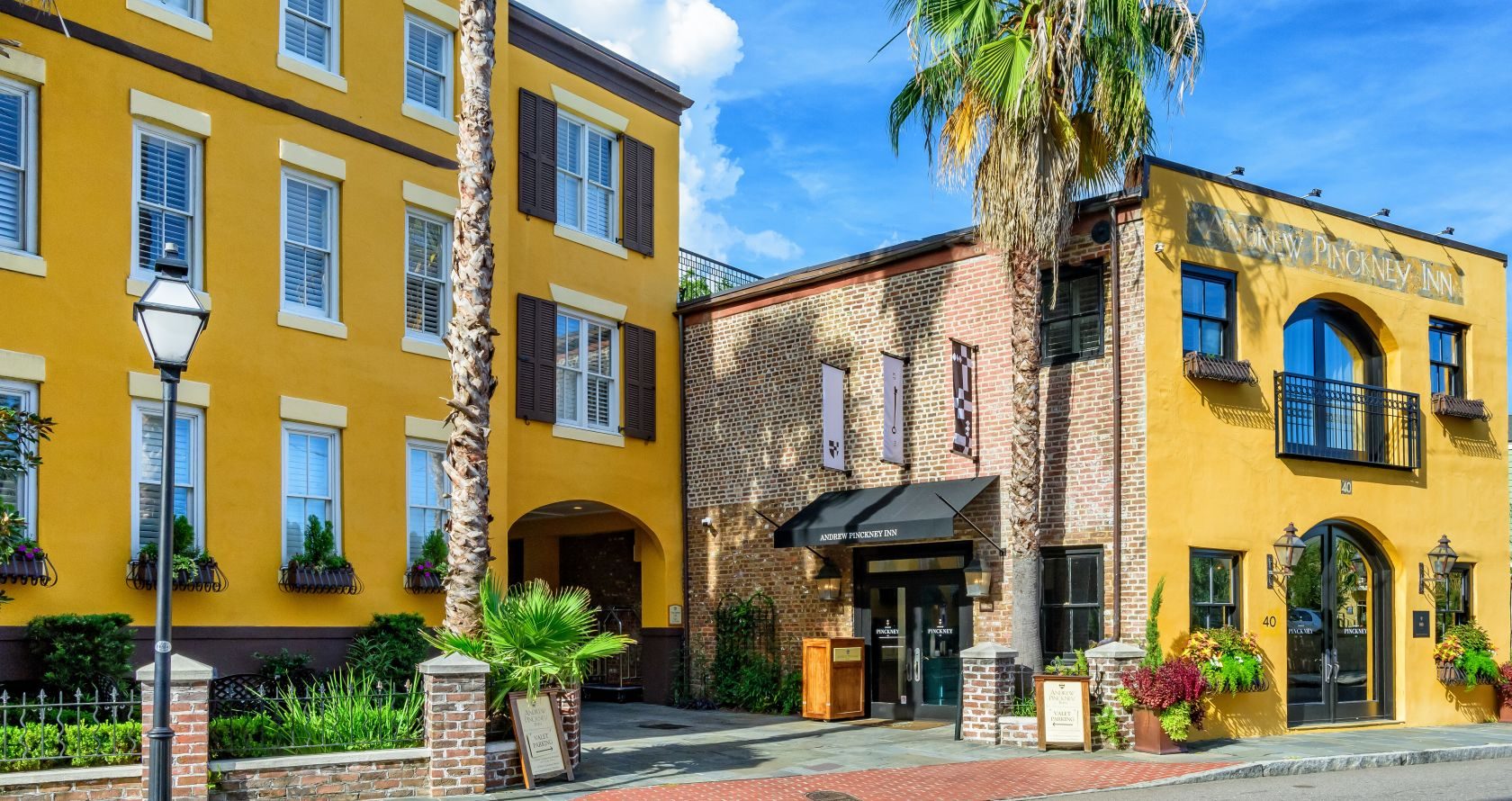 Discover Our Historic Charleston Inn